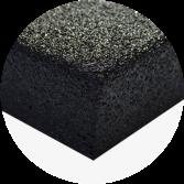 Blat wykonany ze sklejki o grubości 36 mm pokryty 3 mm warstwą poliuretanu odpornego na rozpuszczalniki chemiczne